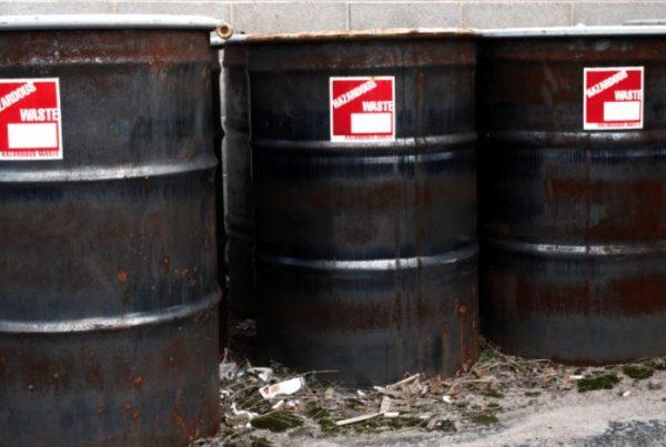 hazardous waste label requirements